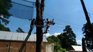 Монтаж площадки веревочного парка